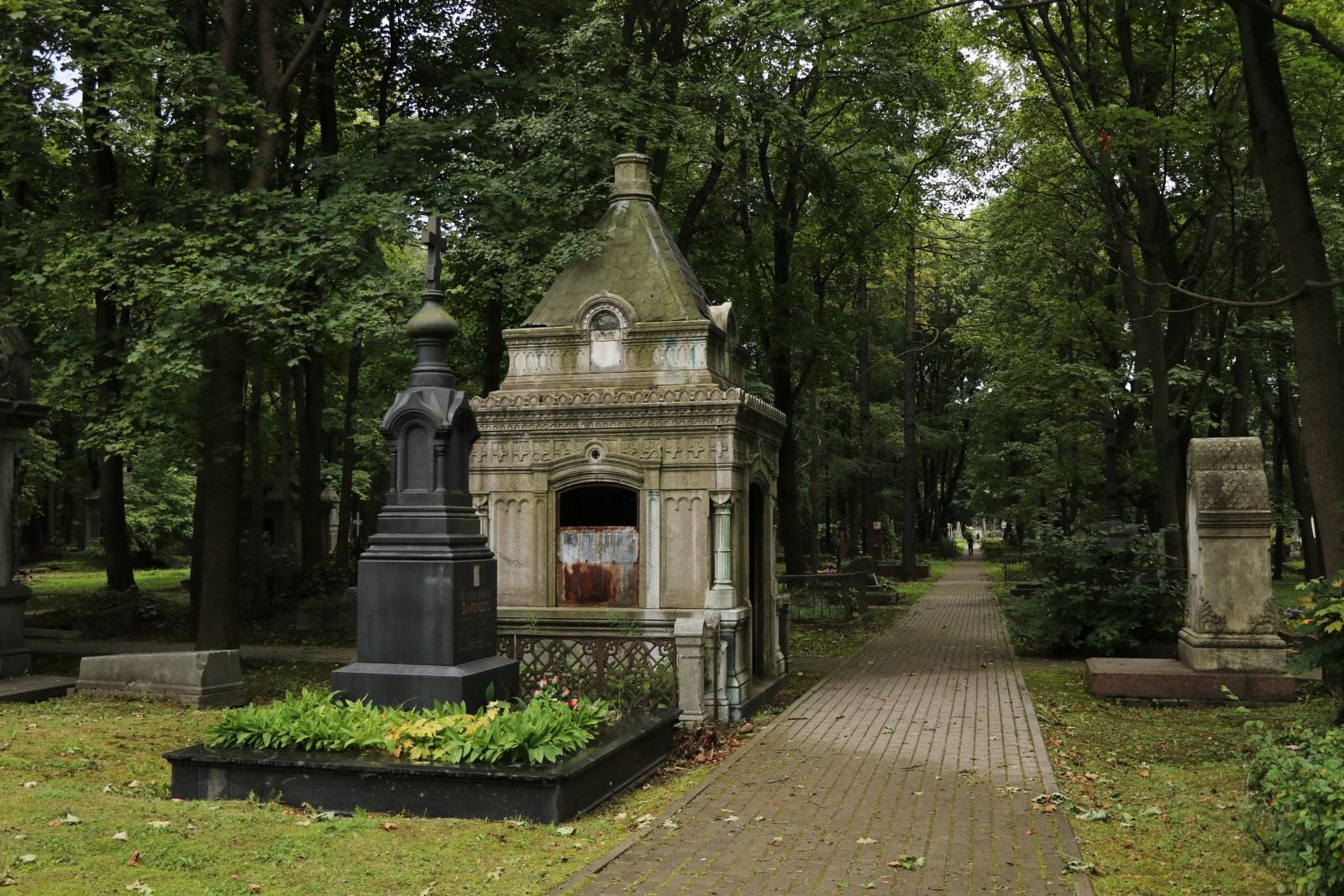Могилы Новодевичьего кладбища