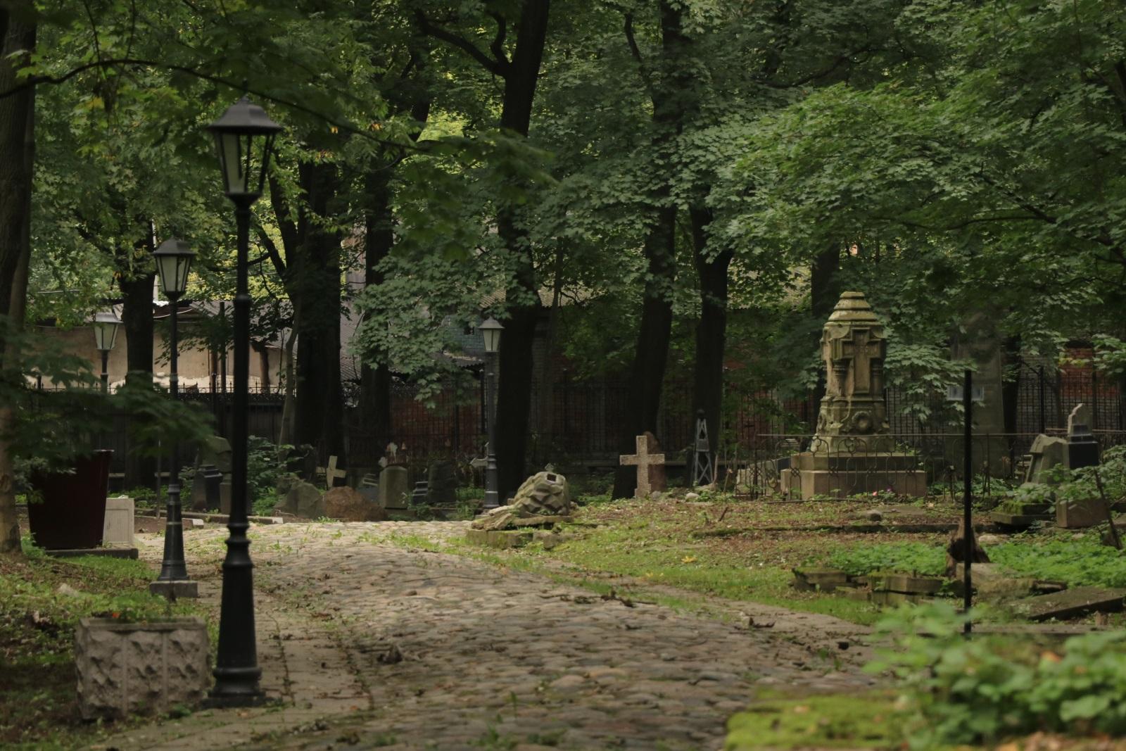 Могилы Смоленского кладбище