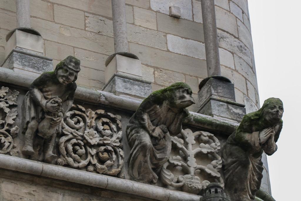 Скульптуры дижонского Нотр-Дама
