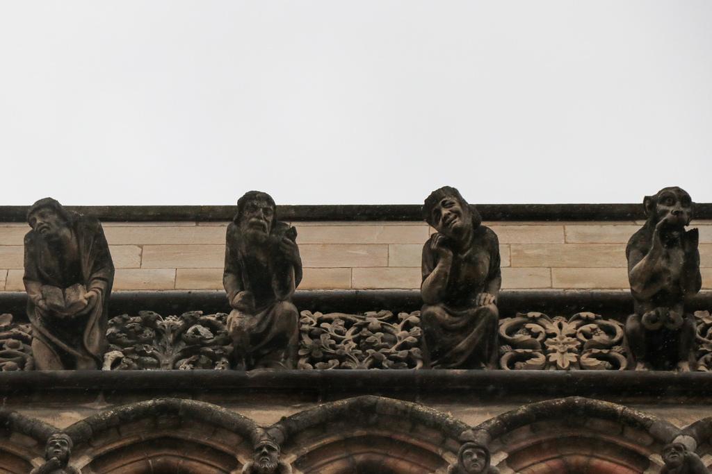 Скульптуры Нотр-Дама в Дижоне