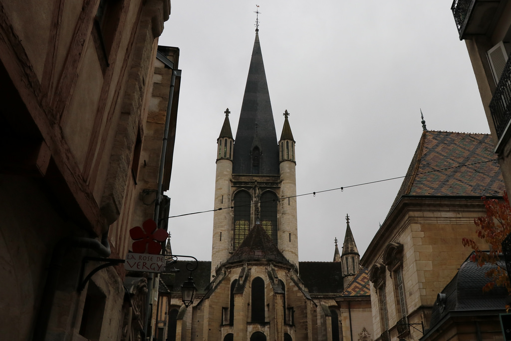 Церковь Нотр-Дам в Дижоне