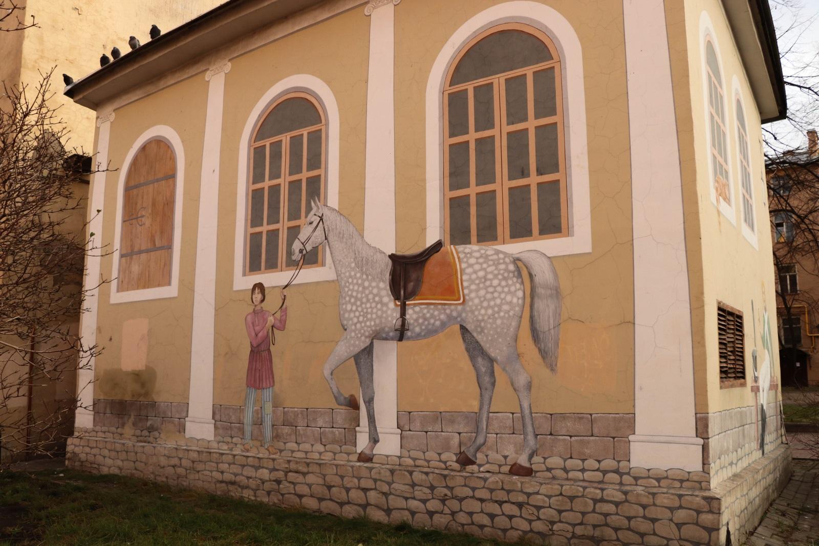 Двор на Бронницкой