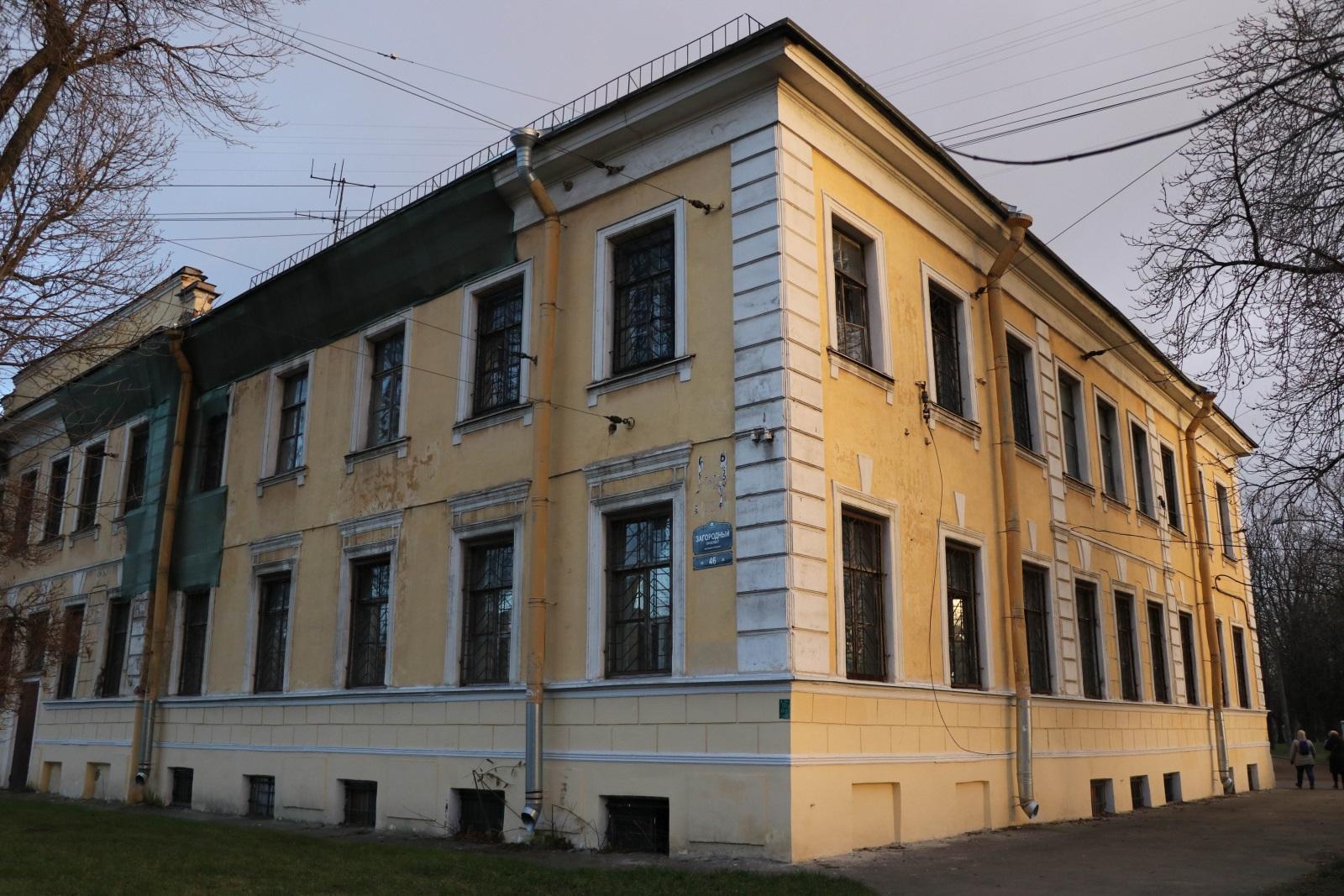 Казармы полка в Семенцах